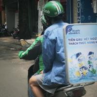 Vì sao nên lựa chọn dịch vụ quảng cáo trên xe Grab?