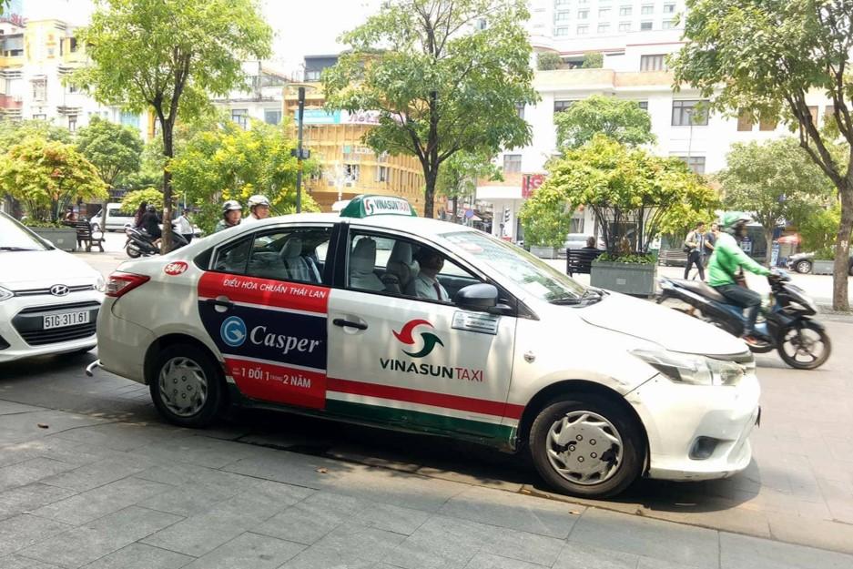 Dịch vụ quảng cáo trên xe taxi vinasun chuyên nghiệp, uy tín